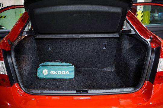 Požičovňa-áut-Škoda-Rapid-Drive-2